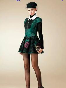 卡缇国际女装240261款