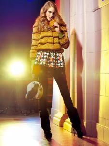 卡缇国际女装240256款